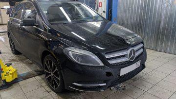 Mercedes Benz B200 - выставление уровня масла